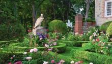 hc-pictures-home-carolyne-roehm-garden-0415-20160415